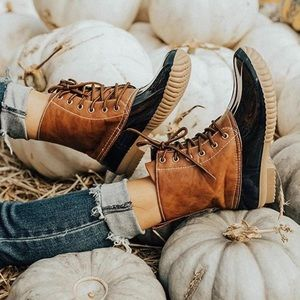 LOLA-Flannel Lined Black Duck Boots